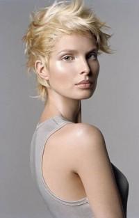 Krótkie blond