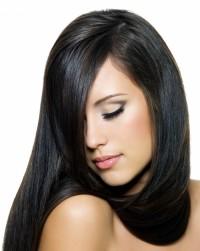 czarne długie proste włosy