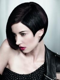 czarne włosy asymetryczna fryzura