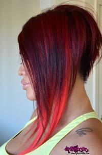 fryzura ciemno czerwony bob