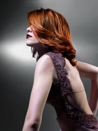 kolor włosów ciemny rudy