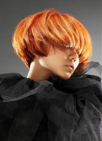 rude i gęste włosy