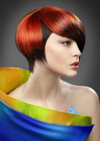 rudo czerwone półdługie włosy