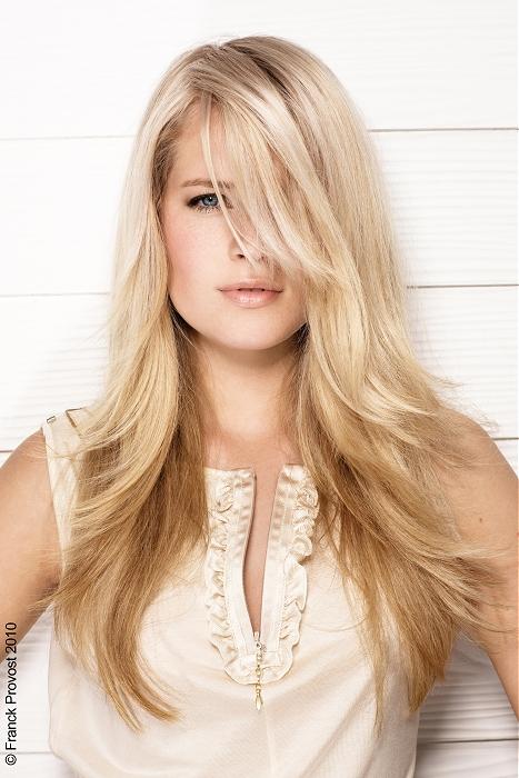 włosy długie ciepły jasny blond
