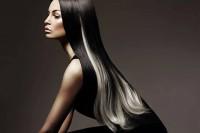 czarne lśniące włosy z białym pasmem
