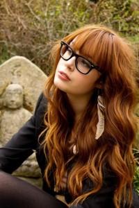 długie włosy z grzywką