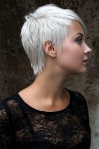 bardzo krótkie włosy, skandynawski blond