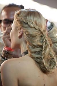 romantyczne upięcie długich włosów