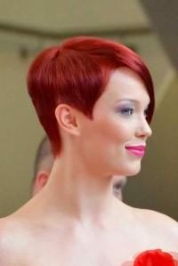 krótkie włosy rude