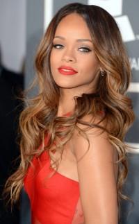 piękne długie włosy, Rihanna