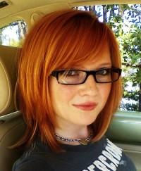 rude włosy do ramion