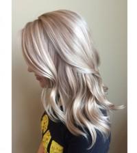 piękny skandynawski blond