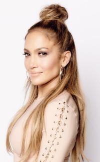 Half bun Jennifer Lopez