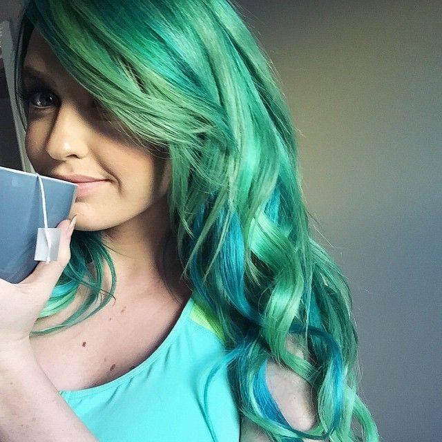Blue and green scene hair