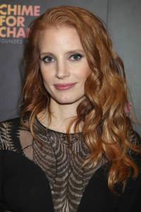 długie rude kręcone włosy