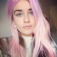 pudrowy róż, różowy blond