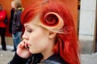 fantazyjne rude włosy