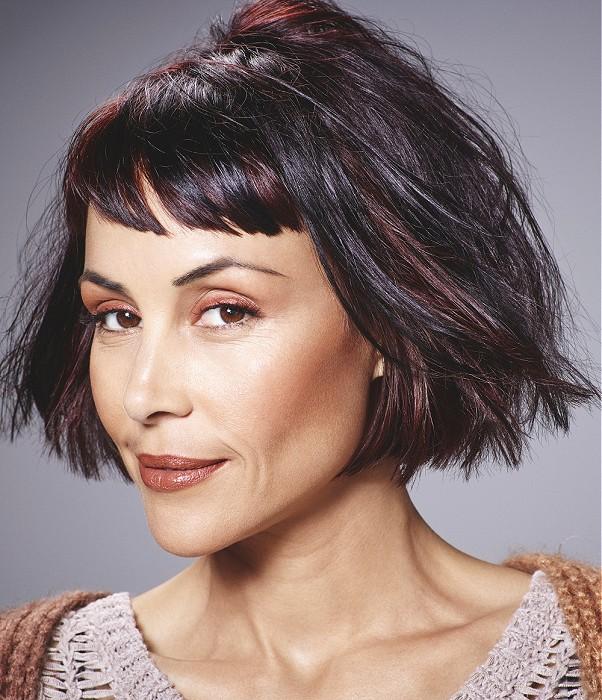 fryzura dla dojrzałej kobiety: bob z prostą grzywką