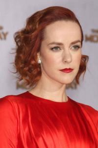 romantyczne upięcie z rudych włosów
