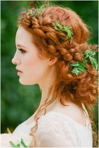 romantyczna fryzura ślubna z warkoczy