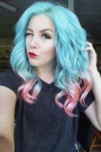 niebieskie włosy z różowym ombre