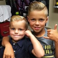 modna fryzura dla chłopca