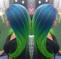 niebiesko zielone włosy