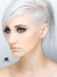 platynowy blond wygolony bok