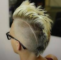 damski blond irokez