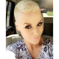 super krótkie blond włosy
